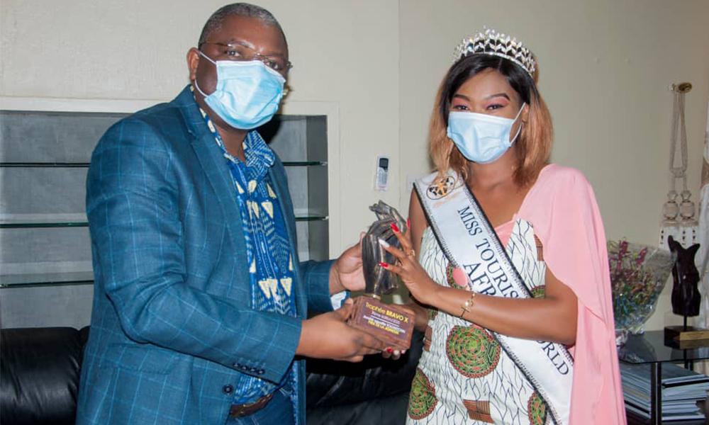 Amélé Tognizoun, Miss Tourisme World Africa reçue par le ministre de la culture et du tourisme du Togo